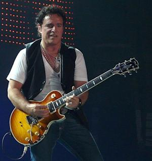 Neal Schon & More Celebs Who Popped the Question Onstage