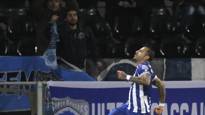 Porto's Ricardo Quaresma celebrates his goal against Guimaraes during their Portuguese Premier League soccer match in Guimaraes