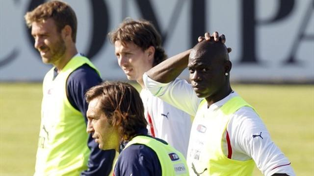 Confederations Cup - Balotelli and Montolivo injury concerns