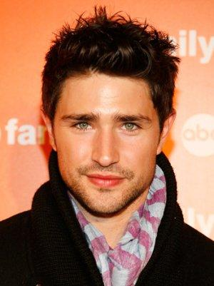 'Kyle XY' Star Matt Dallas Comes Out as Gay with Engagement Announcement