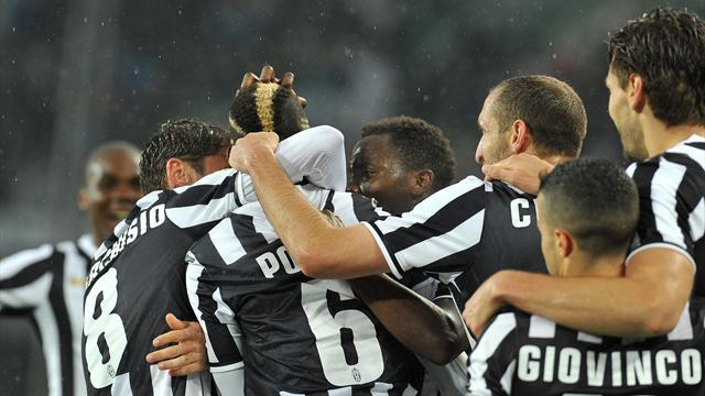 Serie A - Juventus win third straight title as Roma lose