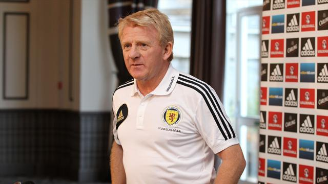 Football - Strachan gets to work on long-term plans
