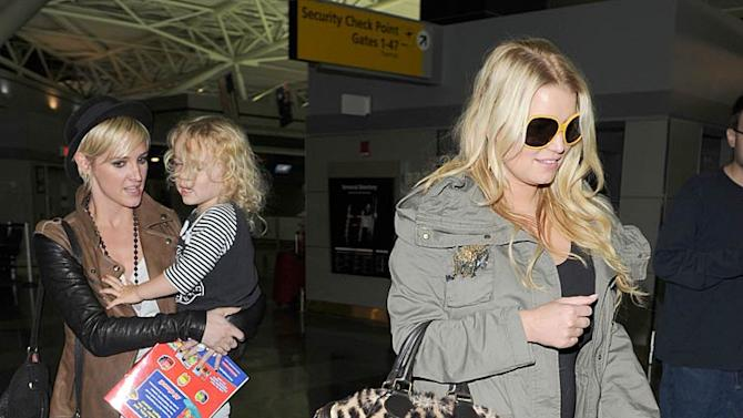 Jessica Ashlee Simpson JFK Airport