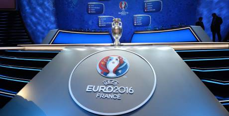 foot euro le calendrier tv de l 39 euro 2016 sur tf1 m6 et bein sports yahoo sport. Black Bedroom Furniture Sets. Home Design Ideas