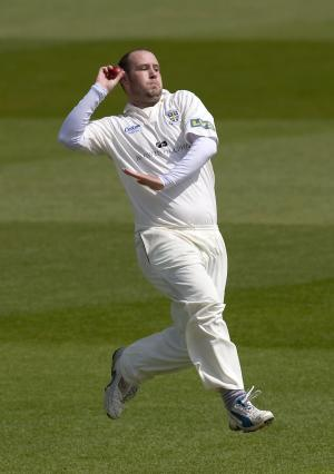 Chris Rushworth has extended his stay at Durham to 2014