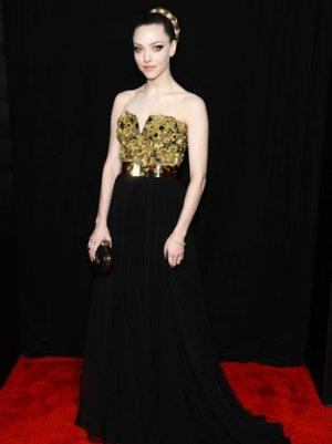Amanda Seyfried on the 'Maternal' Anne Hathaway and Staying Sane During 'Les Mis'