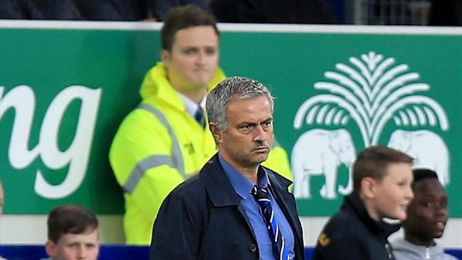 Premier League - Mourinho angered by Costa treatment