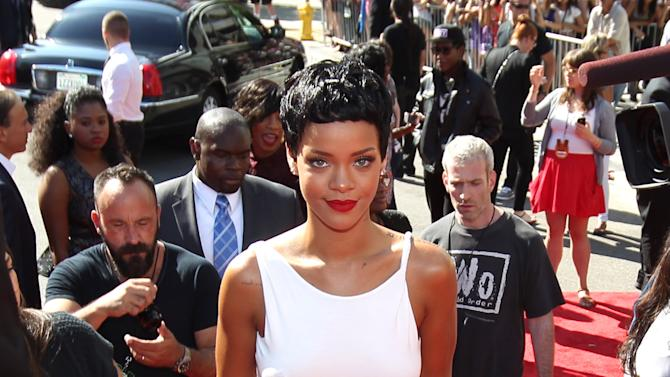 Rihanna arrives at the MTV Video Music Awards on Thursday, Sept. 6, 2012, in Los Angeles. (Photo by Matt Sayles/Invision/AP)