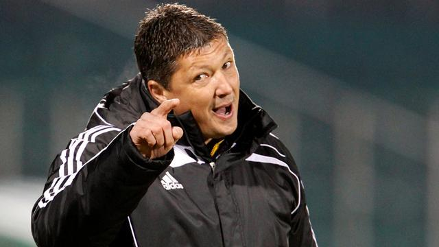 European Football - Penev extends Bulgaria stay for Euro 2016 qualifiers