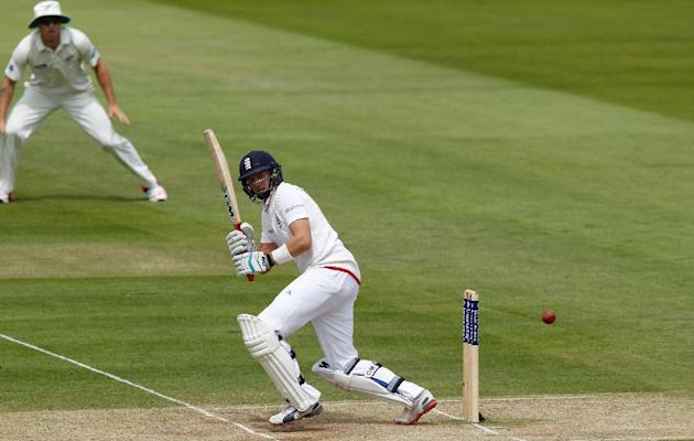 Joe Root scored 84 to help England to 261 for four at tea against New Zealand