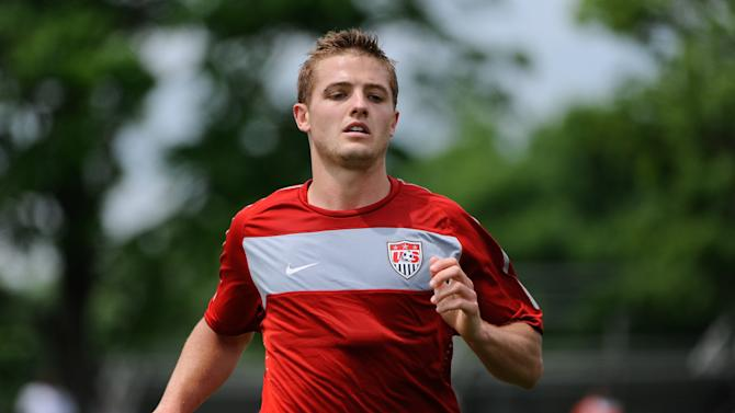 USA international Robbie Rogers has joined Stevenage on loan from Leeds