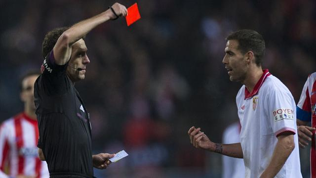 Liga - Three red cards and three penalties as Atletico win