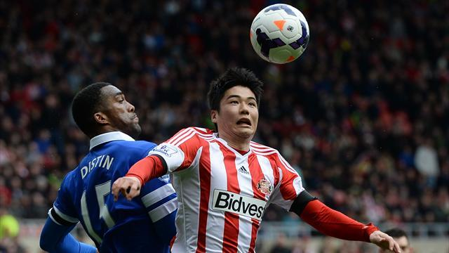 Premier League - Everton struggle to victory against wretched Sunderland