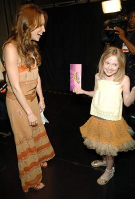 Hilary Swank and Dakota Fanning MTV Movie Awards 2005 - Backstage Los Angeles, CA - 6/4/05