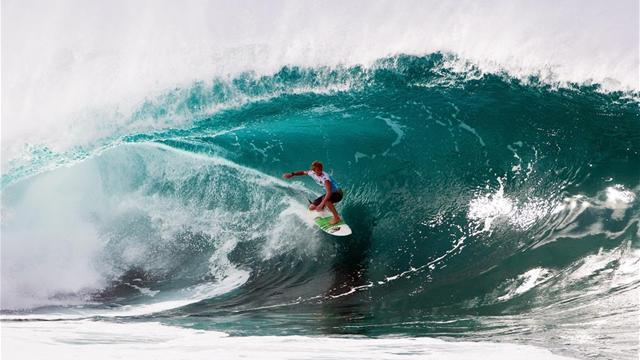 Surfing - Silveira on form at Islas Canarias Santa Pro
