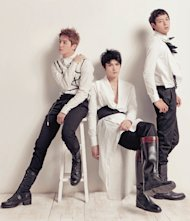 French press reports about JYJ's colossal popularity