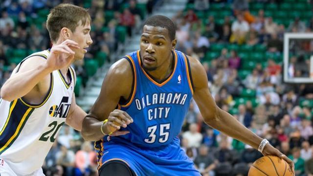 Basketball - Durant leads Thunder to opening win of season