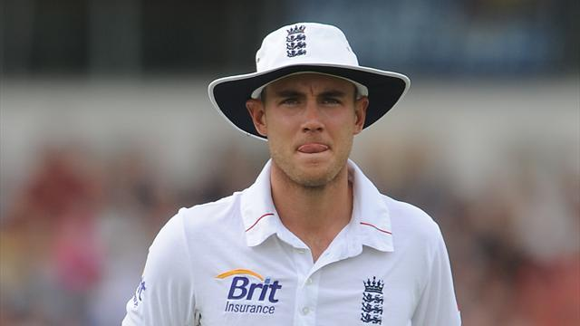 Cricket - England endure torrid day in India warm-up