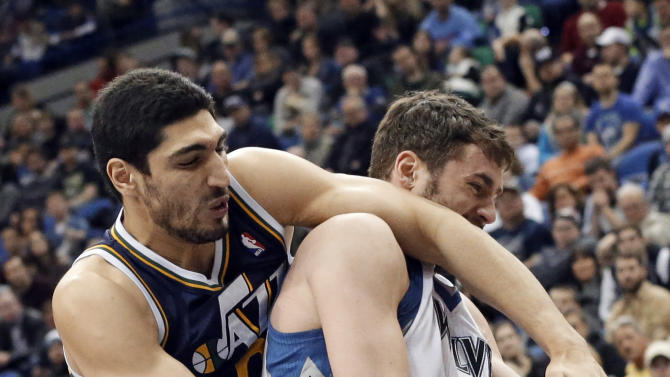 Timberwolves blast Jazz 98-72 to snap skid