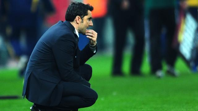 Liga - Valencia coach Valverde hit with two-match ban