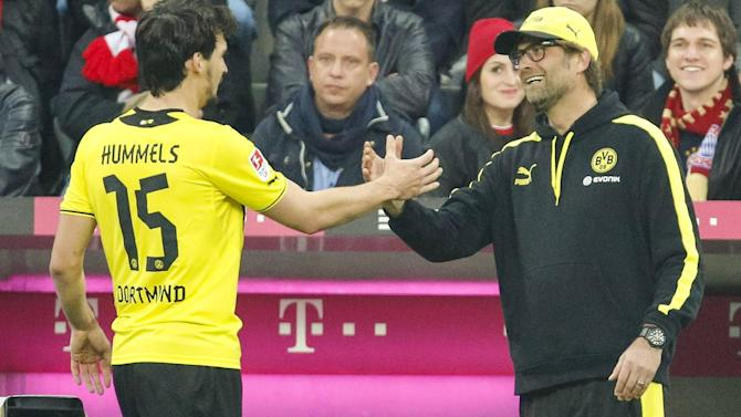 Bundesliga - Klopp: I will 'eat a broomstick' if Hummels joins United
