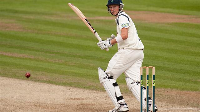 Cricket - Root replaces Patel in Test debut