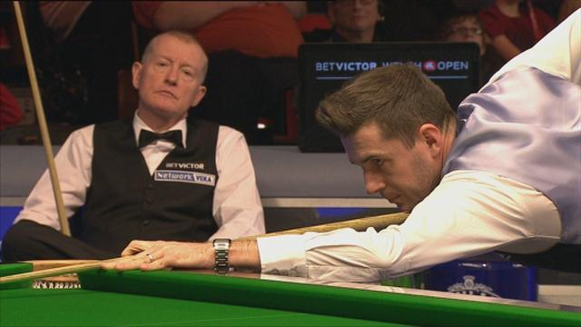 Snooker - Selby blitzes Davis in Newport