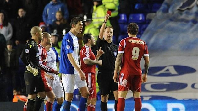 Nottingham Forest's Darius Henderson is sent off by referee Robert Madley