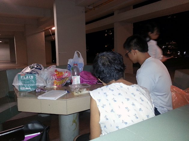 Auntie Koh speaking to volunteers who visited her on Tuesday. (Yahoo! photo)Related Story:Plight of 'homeless' woman in Bedok captures netizens' attention