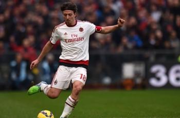 AC Milan rocked by Montolivo & De Jong injuries