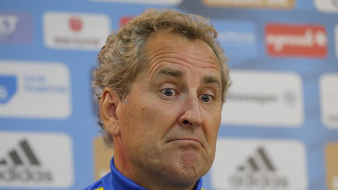 Sweden's national soccer team coach Hamren addresses a news conference at the Otkrytie Arena stadium in Moscow