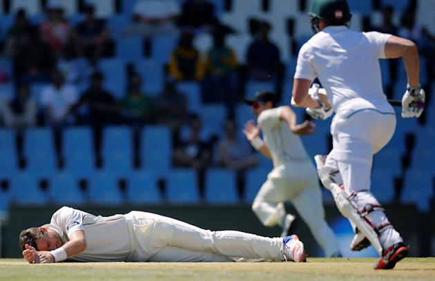 Cricket - New Zealand v South Africa - second cricket test match - Centurion Park , Centurion , South Africa - 28/8/2016 New Zealand's Tim Southee lies on the crease after he fell while attempting