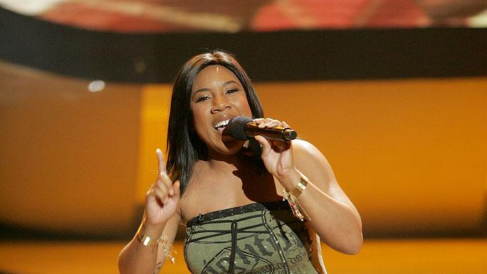 Melinda Doolittle performs as one of the top 7 contestants on the 6th season of American Idol.