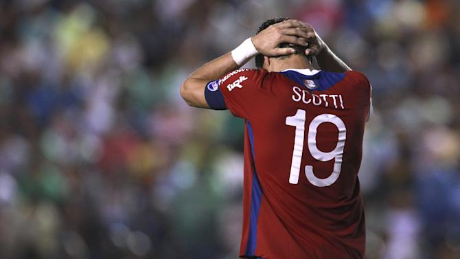 Andres Scotti of Uruguay's Nacional reacts after missing a chance to score against Bolivia's Oriente Petrolero during a Copa Libertadores soccer match in Santa Cruz, Bolivia, Tuesday, Jan. 28, 2014. Oriente Petrolero won 1-0
