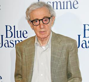 """Woody Allen Responds to Dylan Farrow's Open Letter: """"I Did Not Molest Dylan… I Loved Her,"""" Director Writes"""