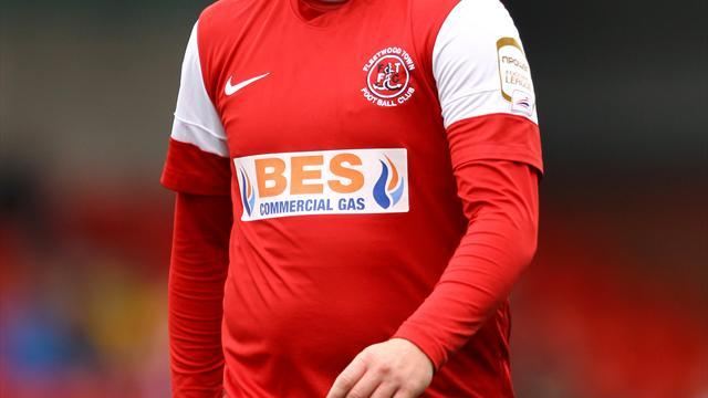 Football - Rovers bring in Fowler