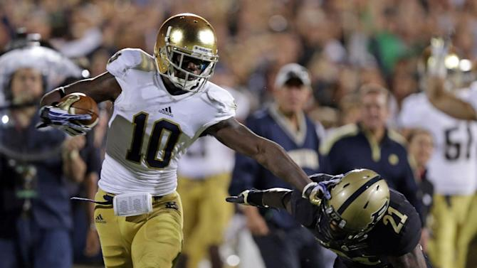 Suspended Daniels, Grant readmitted to Notre Dame