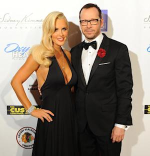 Jenny McCarthy, Donnie Wahlberg Make First Red Carpet Couple Appearance