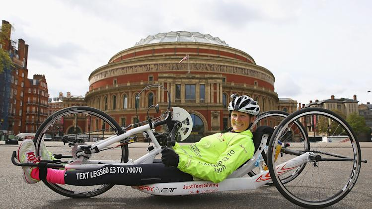 Claire Lomas' 640km Hand Bike Challenge Final in London