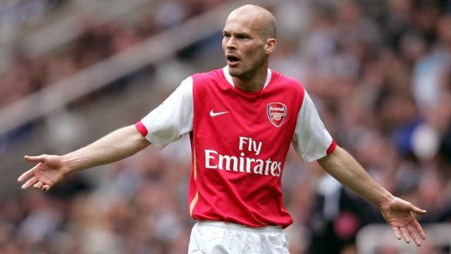 Ljungberg hangs up boots