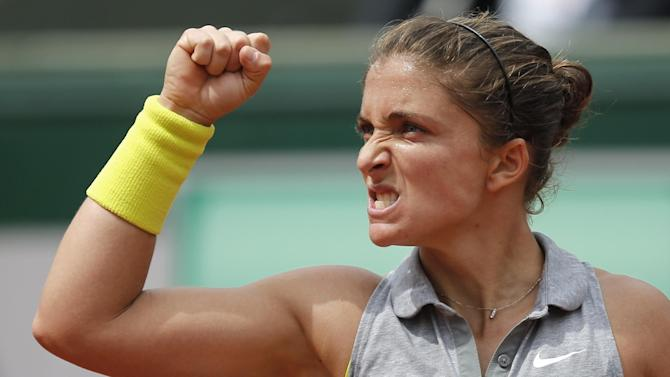 French Open - Errani dumps out sixth seed Jankovic in Paris