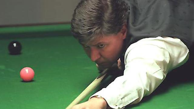 Snooker - Knowles falls short in bid for Crucible