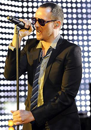 Stone Temple Pilots Sue Scott Weiland