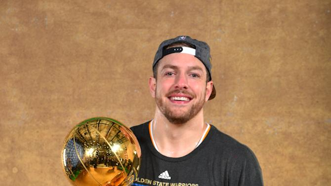 AP source: Warriors trade David Lee to Celts for Wallace