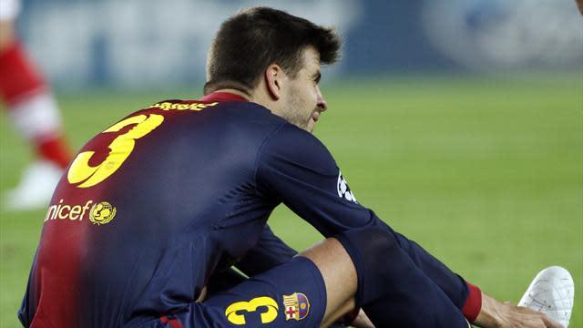 Liga - Barca's Pique remains on sidelines