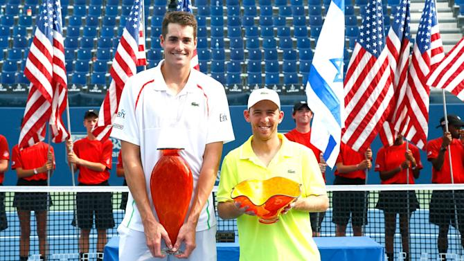 Tennis - Isner retains Atlanta title with defeat of Sela