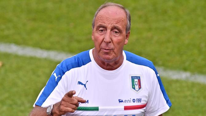 Italian national soccer team coach Giampiero Ventura leads a training session at the Coverciano center, near Florence, Italy, Tuesday, Aug. 30, 2016. Italy hosts France in a friendly in Bari on Thursday then visits Israel four days later to open World Cup qualifying. (Maurizio Degl'Innocenti/ANSA via AP)