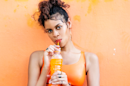 """Mean What I Mean"" : AlunaGeorge embrase les clubs avec un nouvel hymne tropical"