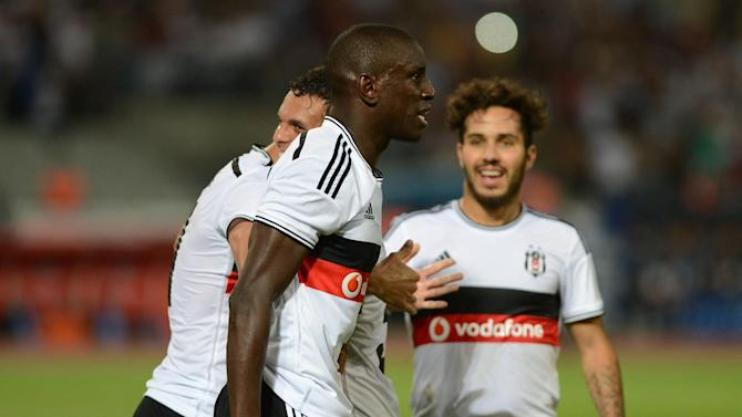 Champions League - Ba hat-trick fires Besiktas past Feyenoord