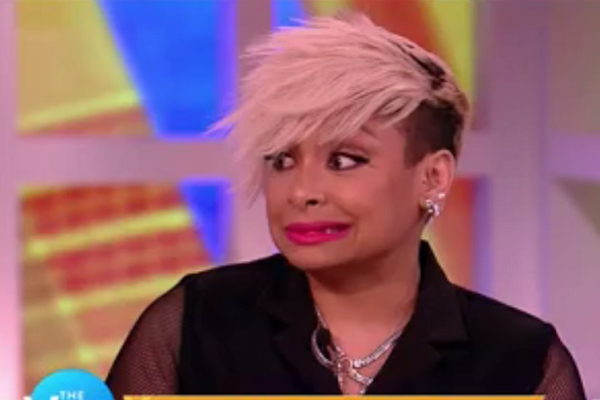 -The View-s- Raven-Symoné Dissed by Nicolle Wallace During Fame, Autograph-Agony Talk (Video)